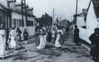 """Exposition """"Jour de fête, reposoirs et procession à Berck"""""""